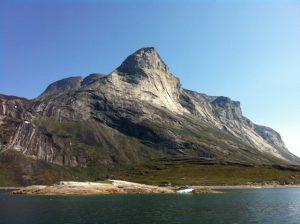 他の国々に多い石灰岩質の岩山